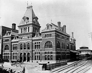 Saint Paul Union Depot - The original depot before 1886 (top) and in 1890 (bottom)