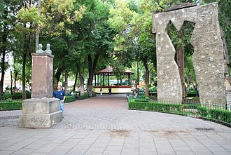 Xochimilco - View of part of the main plaza of the center of Xochimilco