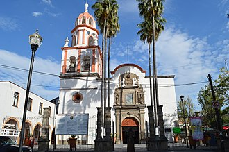 Tlaquepaque - Image: San Pedro Parish Tlaque 01