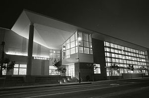 Santa Monica Public Library - Image: Santa Monica Public Library, Main Library Building, 2005
