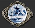 Schoonhoven brooch c.1946.jpg