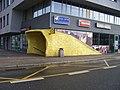 Smíchovské nádraží, žlutý vstup u Rozkošného.jpg