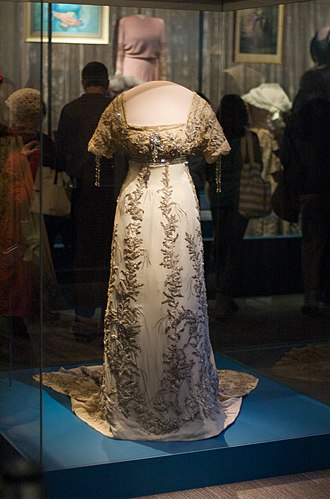 Ball gown - Image: Smithsonian National Museum of American History Helen Tafts Inaugural Ball Gown (3425448486)