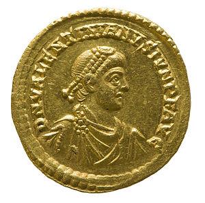 Valentinian II - Solidus of Valentinian II
