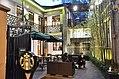StarbucksHangzhouWestLake.jpg