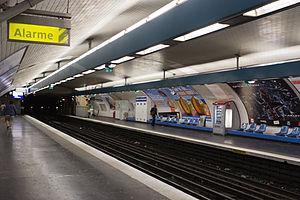 Mairie de Montreuil (Paris Métro) - Image: Station Mairie de Montreuil 2012 07 03 IMG 5047