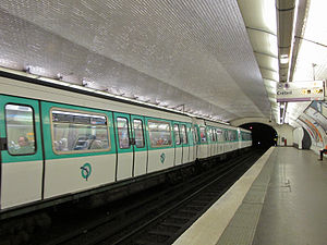 La Tour-Maubourg (Paris Métro) - Image: Station métro La Tour Maubourg IMG 3412