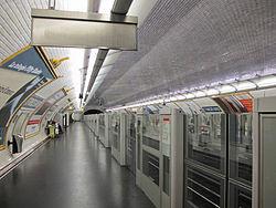 Station métro Saint-François-Xavier - IMG 3384.jpg
