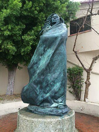 Juana Maria - Image: Statue of Juana Maria and child