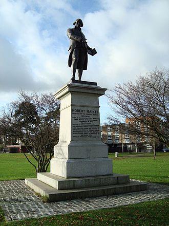 Statue of Robert Raikes, London - Image: Statue of Robert Raikes, Gloucester
