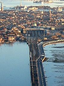 Stazione di Venezia Santa Lucia.jpg