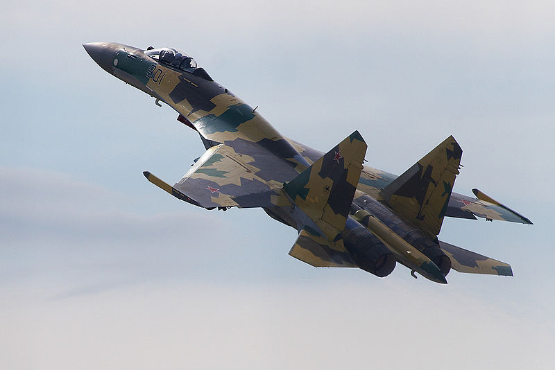 https://upload.wikimedia.org/wikipedia/commons/thumb/b/be/Sukhoi_Su-35_on_MAKS-2011.jpg/800px-Sukhoi_Su-35_on_MAKS-2011.jpg
