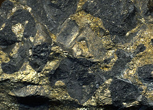 Stillwater igneous complex - Image: Sulfidic serpentintite 3 (platinum palladium ore) Stillwater Mine MT