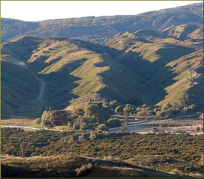 File:Sunrise, San Timoteo Canyon 1-20-13f (8510091839).jpg