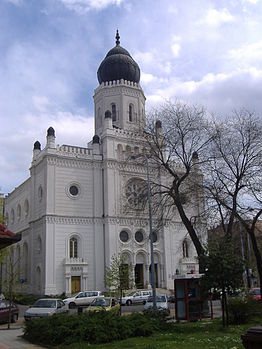 262px-Synagogue_of_Kecskem%C3%A9t.JPG