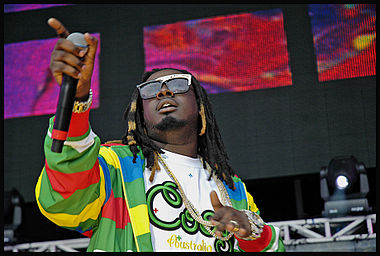 "T-Pain lent his vocals to eight songs on the chart, including the best-performing song of the year, ""Low,"" a collaboration with Flo Rida. T-pain at hot 97 summer jam 2007.jpg"