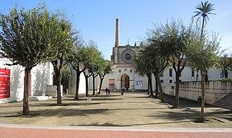 Monastery of Santa Maria de las Cuevas - Approach through courtyard