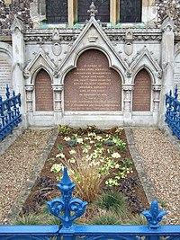 The Primrose Tomb - geograph.org.uk - 154226.jpg