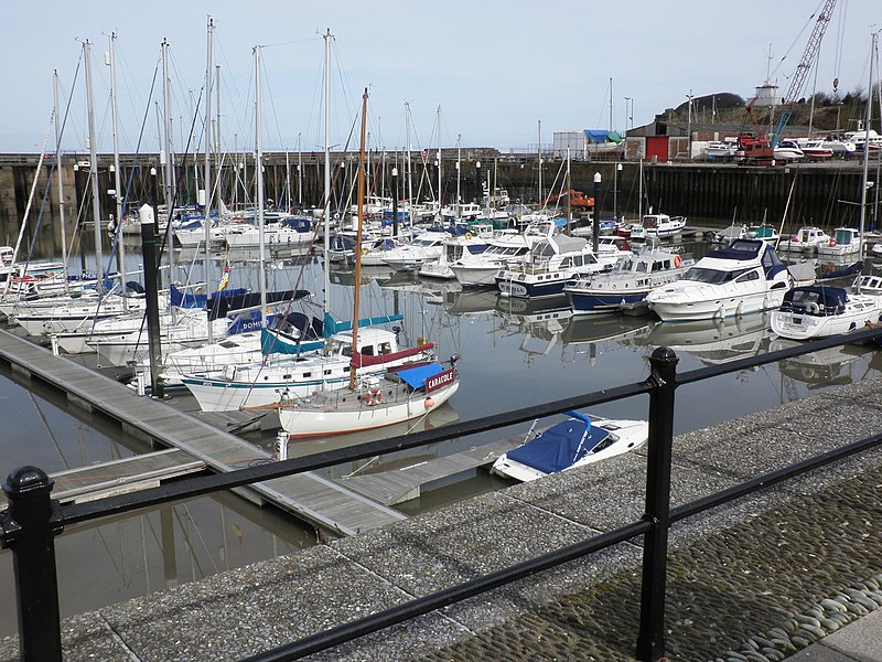 File:The marina, Watchet - geograph.org.uk - 1766952.jpg