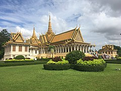 Throne Hall of the Royal Palace in Phnom Penh 4.jpg