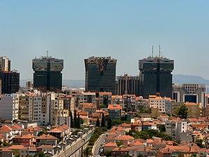 Torres das Amoreiras.jpg