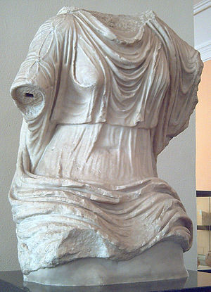 Clothing in ancient Rome - Roman marble torso from the 1st century AD, showing a woman's clothing