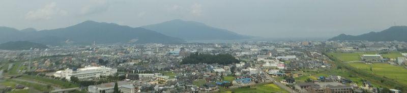 敦賀ジャンクション付近から望む敦賀市中心部 気候は季節風の強まる冬でも...  BIGLOBE百