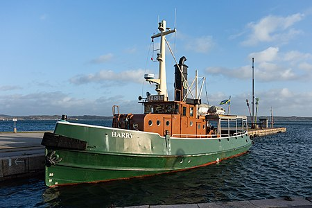Tugboat Harry at home in Lysekil harbor 2.jpg