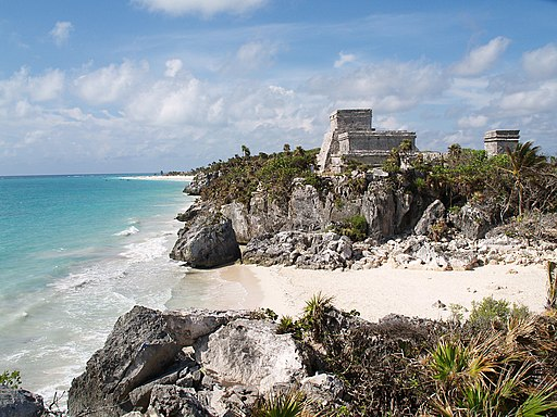 Tulum - Castillo and Bay