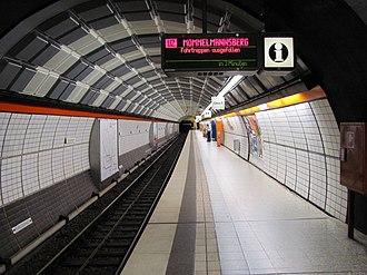 Gänsemarkt (Hamburg U-Bahn station) - Image: U Bahnhof Gänsemarkt 1
