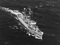 USS Calcaterra (DER-390) underway at sea, circa in the 1960s (NH 82287).jpg