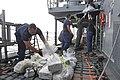 USS Rentz confiscates cocaine. (9789043406).jpg