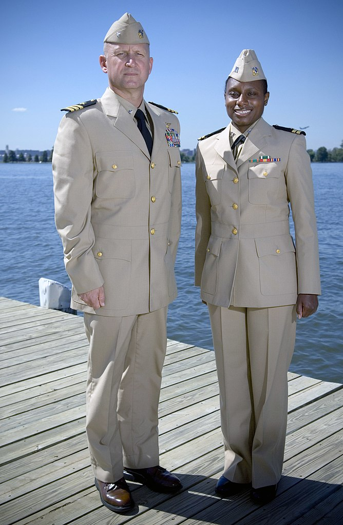 File Us Navy 070919 N 5319a 008 Two Sailors Shows Off The
