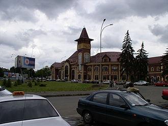 Lviv Railways - Image: Ukraine Uzhhorod Railway Station 5