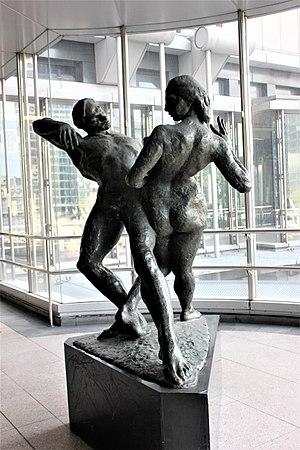 Ivan Klapez - Image: Unity by sculptor Ivan Klapez 02