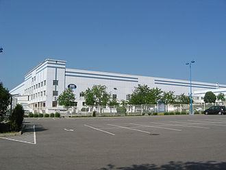 Contrex - Image: Usine embouteillage Contrex Factory Contrexéville 1