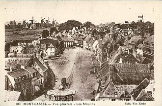 Cassel, Nord - View of the Grand'Place and windmills on Mont Cassel in 1914
