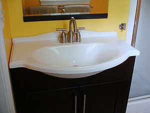 English: Vanity sink Deutsch: Badezimmer-Wasch...