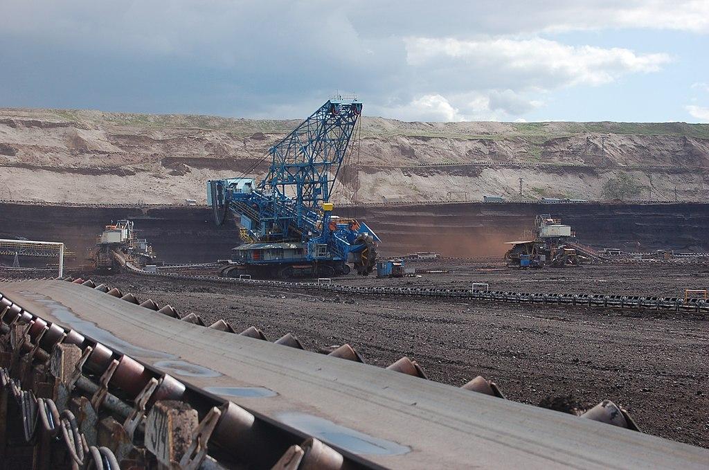 escavatori takraf macchinari industriali 1024px-Velkostroj_Tu%C5%A1imice