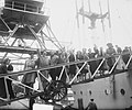Vertrek van het schip Groote Beer met militairen in gezelschap Bombe, Bestanddeelnr 903-3095.jpg