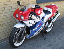 Honda vfr400 wikipedia 1990 honda vfr400r nc30 cheapraybanclubmaster Image collections