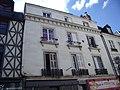 Vieux tours, 9 place du Grand Marché, 2 maisons 15èm, avec façade en Pierre sur rue 19èm.jpg