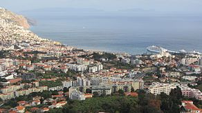 Viewpoint over Funchal, Madeira - Jan 2012 - 01.jpg