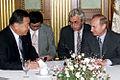 Vladimir Putin in Japan 3-5 September 2000-10.jpg