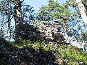Rest der Schildmauer von Süden