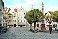 Weilheim in Oberbayern, Marienplatz mit Mariensäule.jpg