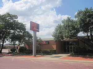 Garza County, Texas - Wells Fargo Bank serves Garza County through its outlet in Post.