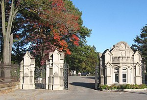 Woodlawn Cemetery (Bronx, New York) - Jerome Avenue gate
