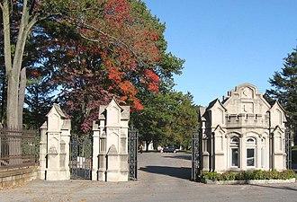 Woodlawn Cemetery (Bronx, New York) - Jerome Avenue gate