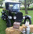 '25 Ford Model T Pickup & Delivery (Déjeuner sur l'herbe VAQ Mont-Royal '13).JPG